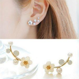Jewelry - NEW flower stud earrings
